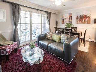 Robina House ~ Free: Wi-Fi/prkg/laundty/balcony