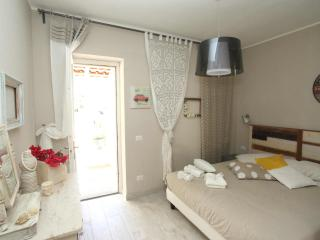 Villa SeaRose cozy studio in old town with seaview, Lipari