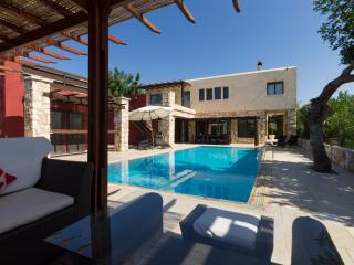 Villa Odysseas, Tala. Large Secluded Stone Built Villa with Free 7 Seater Car