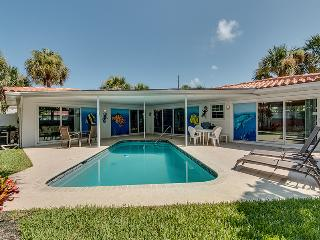 Narcissus Beach House - Weekly Beach Rental, Clearwater