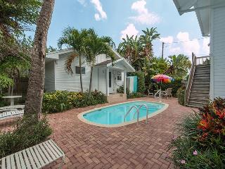 Sunshine Cottage - Weekly Rental, Clearwater