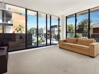 Modern 2 Bed in the heart of St Kilda, Melbourne