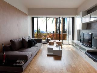 8 people sunny flat with view on french riviera, Le Cannet