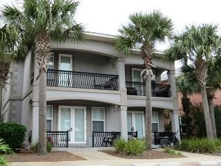 Miramar Villas 113, 3BR/3BA spacious townhouse! Steps to the Beach!, Destin
