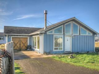 ACE Cabin Waldport Oregon vacation rental