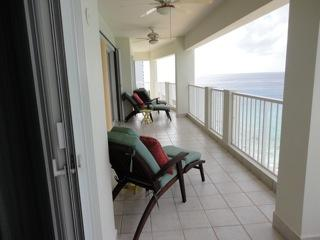 Beach front spacious luxurious condo