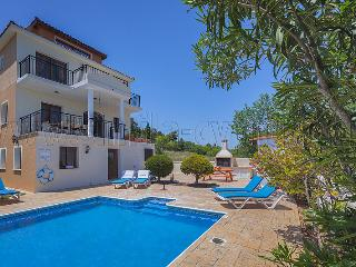 Villa Maria  - Large Private Villa with POOL, Kathikas