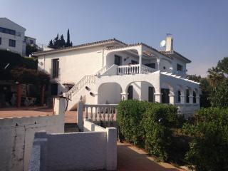 Villa Gomez , 7 bedroom , sleeps 13, own pool, La Cala de Mijas