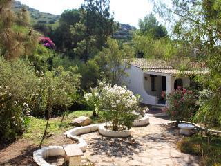 Villa con ampio giardino a 100 metri, Torre delle Stelle