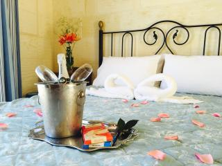 *This picture has been taken in our Blossom room. This is an example of our Romance Upgrade option.