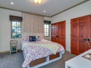 STUNNING 3 BEDROOM HOME BY THE BEACH, Santa Cruz