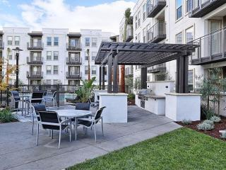 Beautiful 2 Bed 2 Bath Apartment - 6, Redwood City