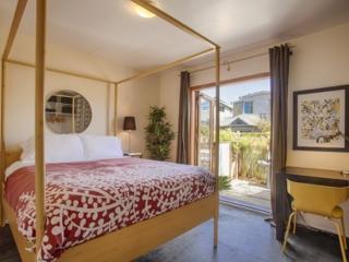 Terrific 2 Bedroom,1 Bathroom Apartment, Los Angeles