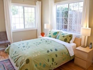 STUNNING 1 BEDROOM DUPLEX - 1, Los Ángeles