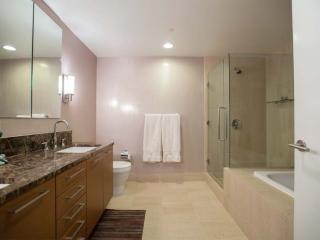 Beautiful 2 Bed 2 Bath Condo, San Francisco