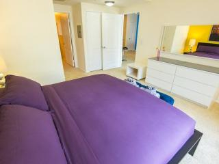 Warm and Welcoming 1 Bedroom Apartment in LA -  Natural Light and Great Outdoor, Los Angeles