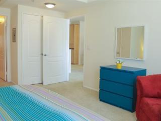 Cozy and Nice 2 Bedroom. 2 Bathroom Apartment in Los Angeles