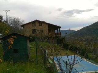 Casa de campo-castillo. Situada en  Valle d Jerte., Casas del Castañar