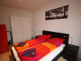 ZH DaCosta - Stauffacher HITrental Apartment Zurich