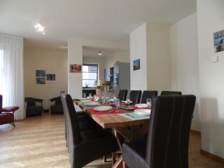 Brussels Hospitality  - Apartment up to 8/10 pax, Bruselas