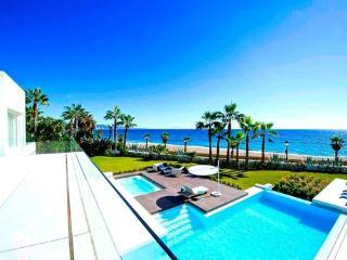 Otium Residences - Beach Mansion on Golden Mile, Marbella
