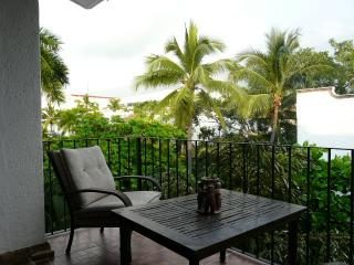 Penthouse with great location in suites marbella, Puerto Vallarta