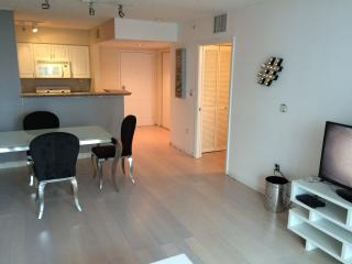 Modern brickell 1/1 bay view