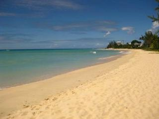 2 Bed Beachfront Apt in a Quiet Residential Area, Bridgetown