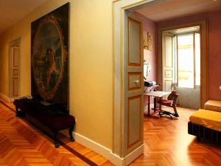 Appartamento storico e signorile in pieno centro, Lecce
