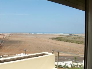 Appartement vue sur mer, spot de surf, près golfs