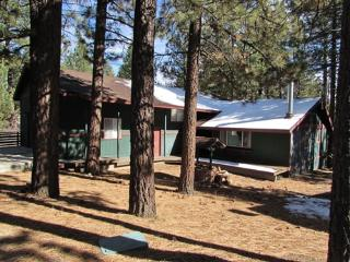 #090 Pinewood Inn, Big Bear Region
