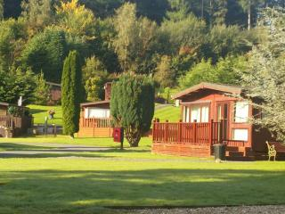 Chalet with river walks, fishing & golf nearby, Builth Wells