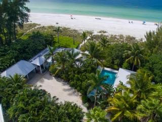 Limefish, spectacular beachfront location!, Anna Maria Island