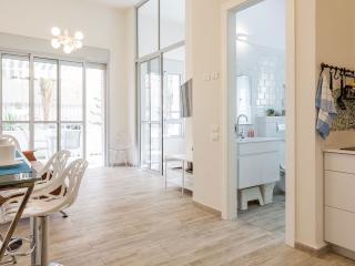 Luxury Residence Beach & Garden TLV - Bauhaus, Tel Aviv