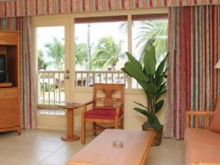Pool Side Superior Luxury Condo @ Aruba Beach Club