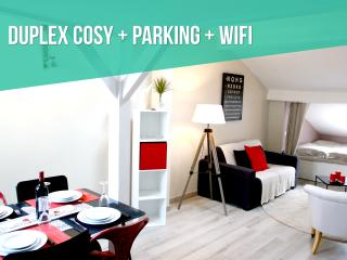 DUPLEX COSY + PARKING + HISTORICAL CENTER, Bordeaux