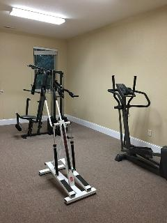 Private-community club house exercise room