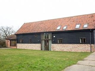 Hollybush  Barn, Set Within Spacious Grounds, Southwold