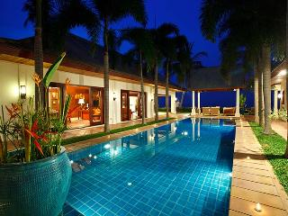 Villa 17 - Beach front luxury with Thai chef service and shared gym