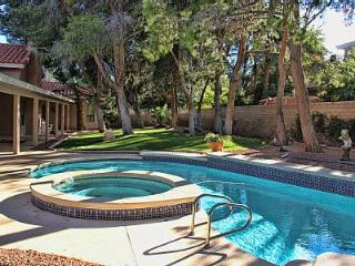 Quiet Luxury Home Estate - Pool, Spa, BBQ, Much More