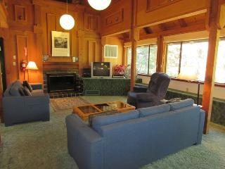 Yosemite's Timber Lodge - Enjoy the Great Outdoors
