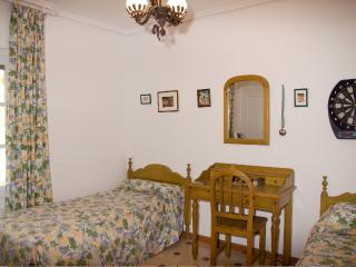 HABITACION TRIPLE BED AND BREKFAST, Aguadulce