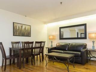 CHARMING 2 BEDROOM APARTMENT, Long Island City