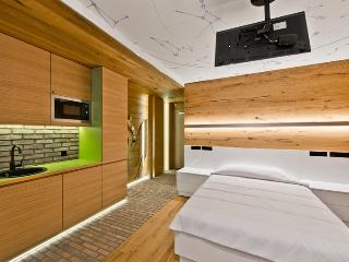 Comfortable double bed, fully equipped kitchenette, 'Space TV'