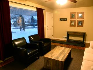 Perfect location to ski & city!