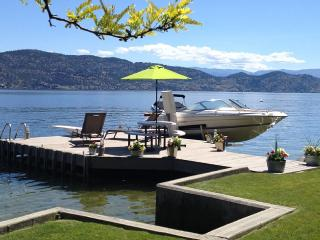 Exclusive Lakeshore Family Paradise, Kelowna
