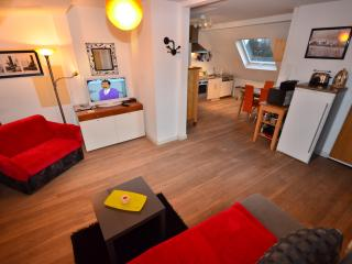 Ferienwohnung Cologne 3 möbliert wohnen mit Herz