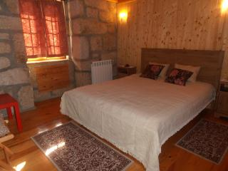 Couple Bedroom, Castro Daire