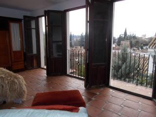 Albayzin Romantico! Charming, extremely spacious Albaicin house Alhambra views