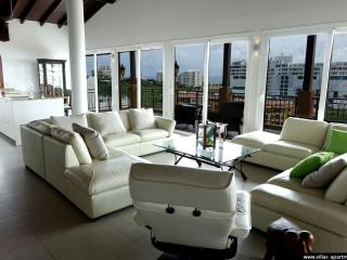 SKYMOON 2BR Luxury Apart Cupecoy Lagoon St Maarten, Cupecoy Bay